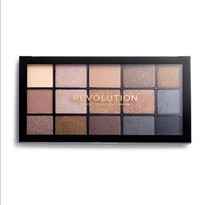 Makeup Revolution Reloaded Palette- Smoky Neutrals